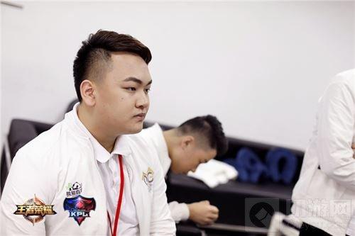 2017年KPL春季赛冠军队员专访 老兵Hurt的夺冠史